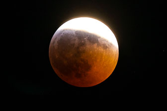 Super Blood Wolf Moon - 2019
